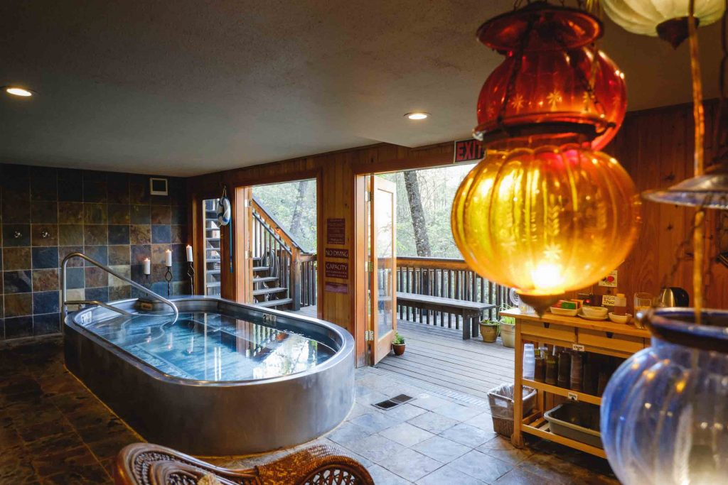 YOSEMITE HEALTH SPA & Home - Yosemite Bug Rustic Mountain Resort
