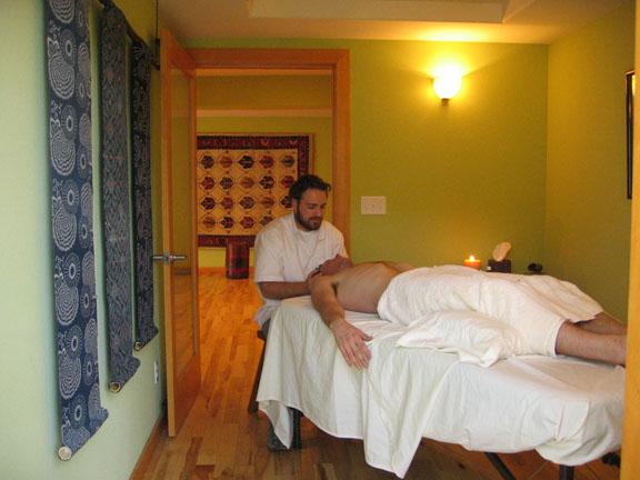 massage rooms ubud traditional spa picture of ubud. Black Bedroom Furniture Sets. Home Design Ideas