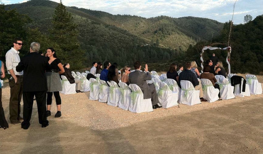 Wedding on the ridgetop parking lot